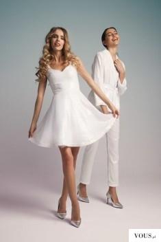 Białe stylizacje, biała sukienka i kombinezon biały elegancki. Czy biały garnitur jest modny?