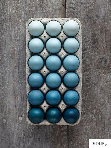 jajka w odcieniach niebieskiego