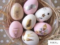 złote ozdoby na jajkach