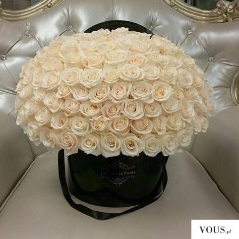 Cudowny kosz kremowych róż