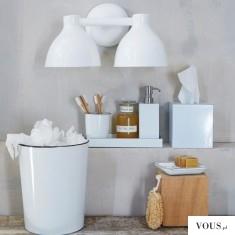 Biało brązowe dodatki w łazience