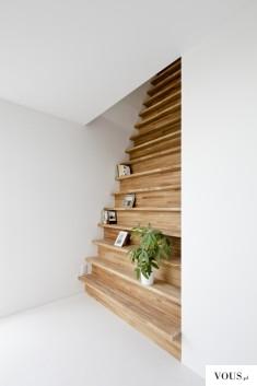 Piękne schody, półka