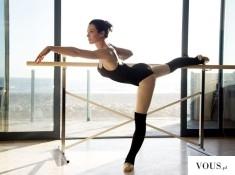 Baletnica, zgrabne ciało, czarny strój
