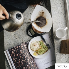 parzenie kawy o poranku, według przepisu, śniadanie