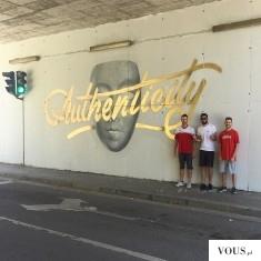 złoty mural/graffiti
