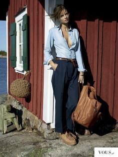 Wiosenna elegancka stylizacja. Granatowe spodnie do niebieskiej koszuli. Brązowe, skórzane dodat ...