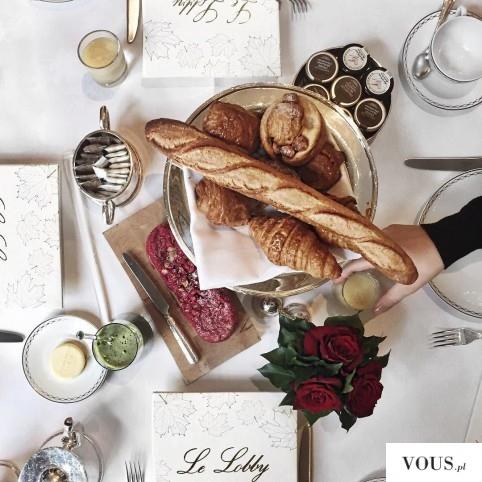 Śniadanie z bagietką. Czy pieczywo / chleb jest zdrowy i można go jeść na diecie?