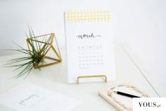 minimalistyczny biały kalendarz