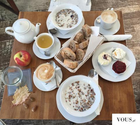 Cudownie podane śniadanie. Czy w restauracji można zjeść zdrowy posiłek?