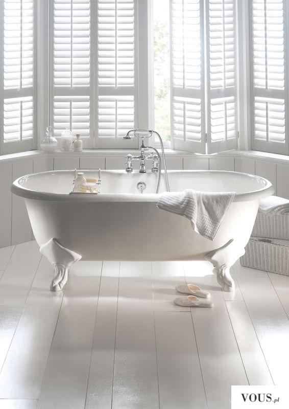Piękne białe wnętrze, cała biała łazienka, wanna na nóżkach, gdzie kupić stojącą wanne?