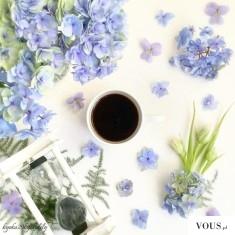 Jak podać ładnie kawe? Propozycja podania kawy. Kawa z kwiatami