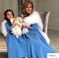 Sesja mamy i córki z psami