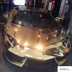 Złoty samochód