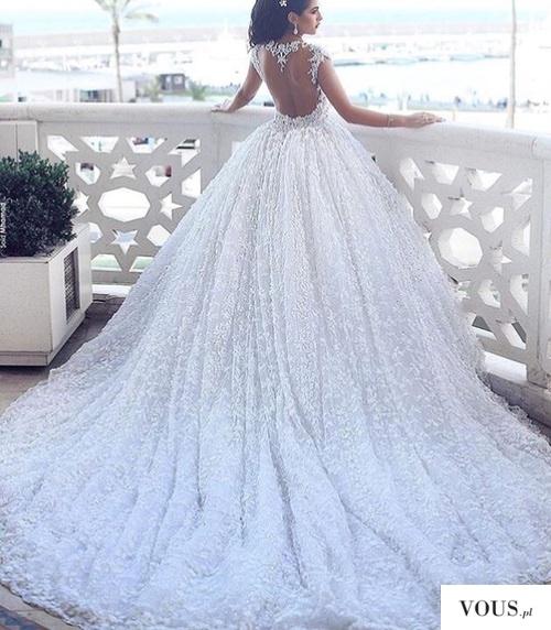 Przepiękna wielka suknia slubna