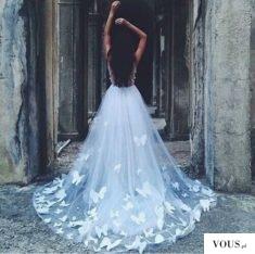 przepiękna suknia slubna z motylami