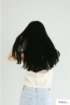 piękne gęste czarne włosy