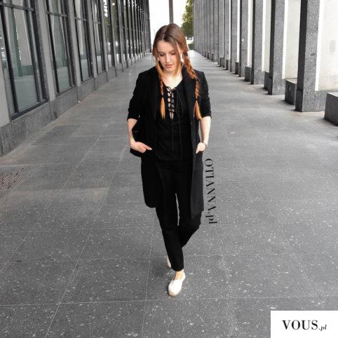 OTIANNA – total black outfit, white espadrilles