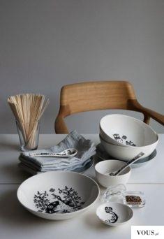 zestaw talerzy i sztućców, piękna zastawa stołowa w stylu vintage