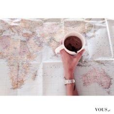 poranek z kawą i planowanie wakacji, gdzie wyjechać na wakacje 2016?