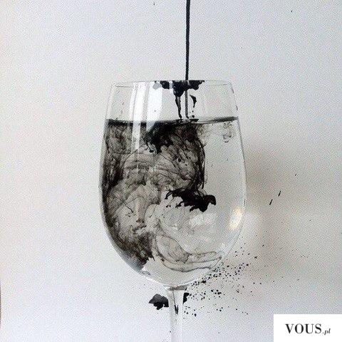 Kieliszek z wodą