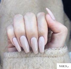 przepiękne długie paznokcie nude