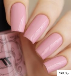Cudowne różowe paznokcie naturalne