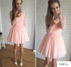 Idealnie skrojona rozkloszowana sukienka z długim rękawem, wykonana z kilku warstw elastycznego, ...