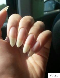 naturalne długie paznokcie
