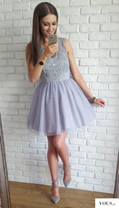 Ekskluzywna tiulowa, rozkloszowana sukienka, wykonana z wysokiej jakości tkanin i przyjemnego w  ...