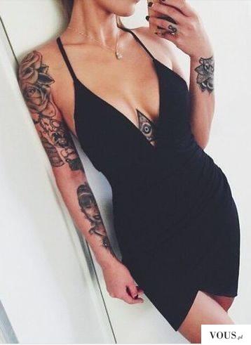 elegancka kobieta z tatuażami