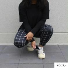 Czarne spodnie w kratkę