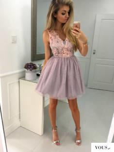 Tiulowa sukienka pudrowo- różowa dla księżniczki :)
