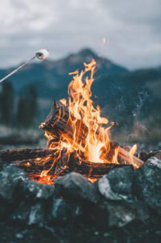 Jak rozpalić ognisko bez zapałek i zapalniczki ?