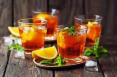 DRINK NA DZIŚ: APEROL SPRITZ – MenMagazine