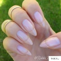długie paznokcie naturalne w szpic