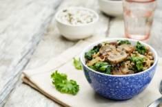 Soczewica z pieczarkami i jarmużem – CookMagazine