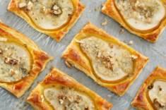 TARTALETKI Z GRUSZKAMI, SEREM I ORZECHAMI – CookMagazine