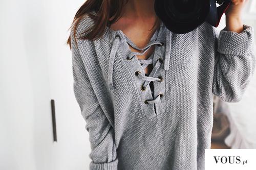 szary modny wiązany sweter na dekolcie, gdzie kupię?