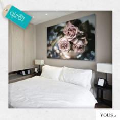 Piękny obraz z różami w kolorze pudrowego różu. Subtelna dekoracja idealna na ścianę w sypialni