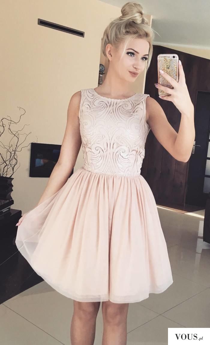 Tiulowa sukienka Grace w kolorze nude