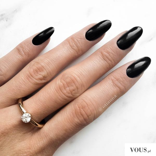 black nails otianna
