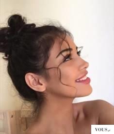 idealna uśmiechnięta dziewczyna