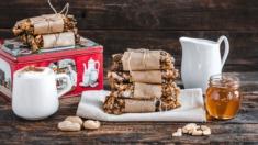 Przepis – Zdrowe batoniki musli z orzeszkami arachidowymi – Biuro Napoleona