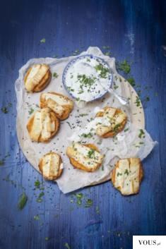 Oryginalna przekąska, w której słodycz batatów łączy się ze słonym smakiem cypryjskiego sera. SŁ ...