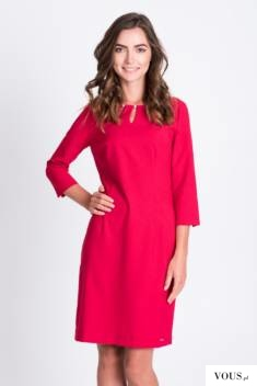 Sukienka w kolorze malinowym