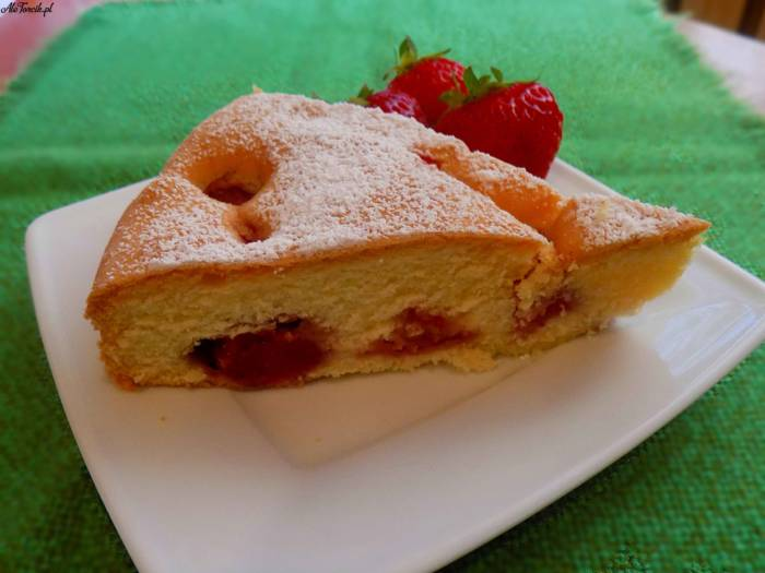 Ciasto z zatopionymi truskawkami | AleTorcik!