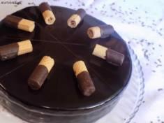 Czekoladowy tort z chrupiąca warstwą | AleTorcik!