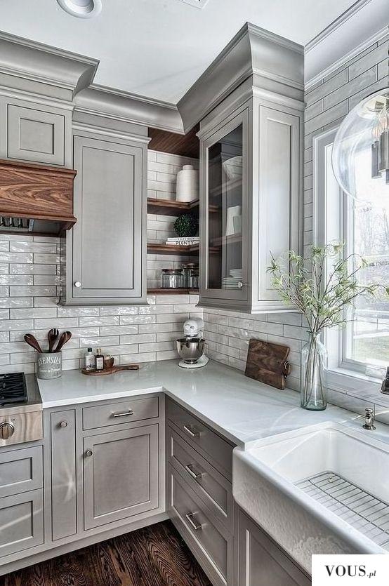 Kuchnia z szarymi szafkami / inspiracje kuchnia