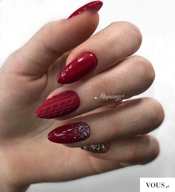 Czerwone paznokcie wzory z cyrkoniami / świąteczne   INSPIRACJE