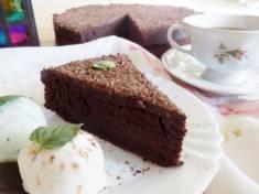 Wilgotne brownie z polewą czekoladową | AleTorcik! – przepisy na pyszne, domowe ciasta, ci ...